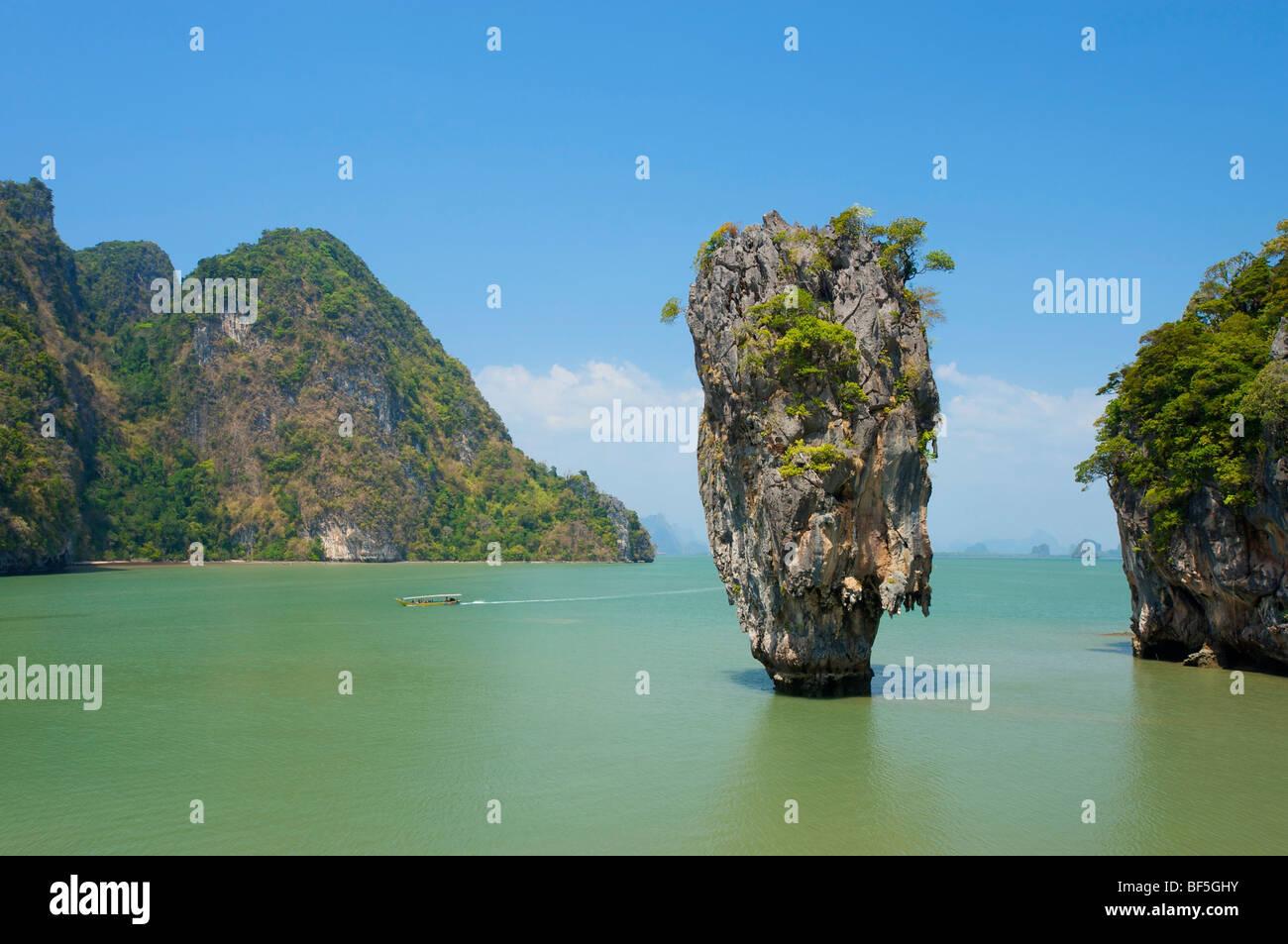 James Bond Felsen in der Phnag Nga Bay, Thailand, Asien Stockbild