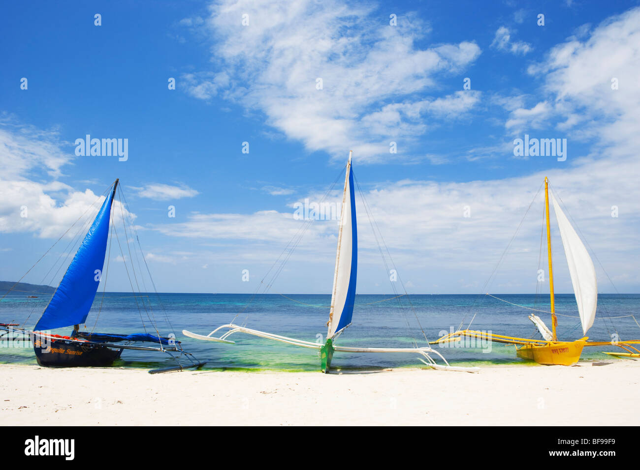 Segelboote am Strand Boracay; Die Visayas; Philippinen. Stockbild