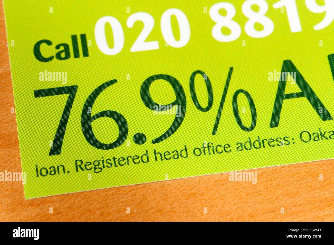 Exorbitant hohen Zinssatz für Oakam Darlehen Unternehmen Broschüre Stockbild