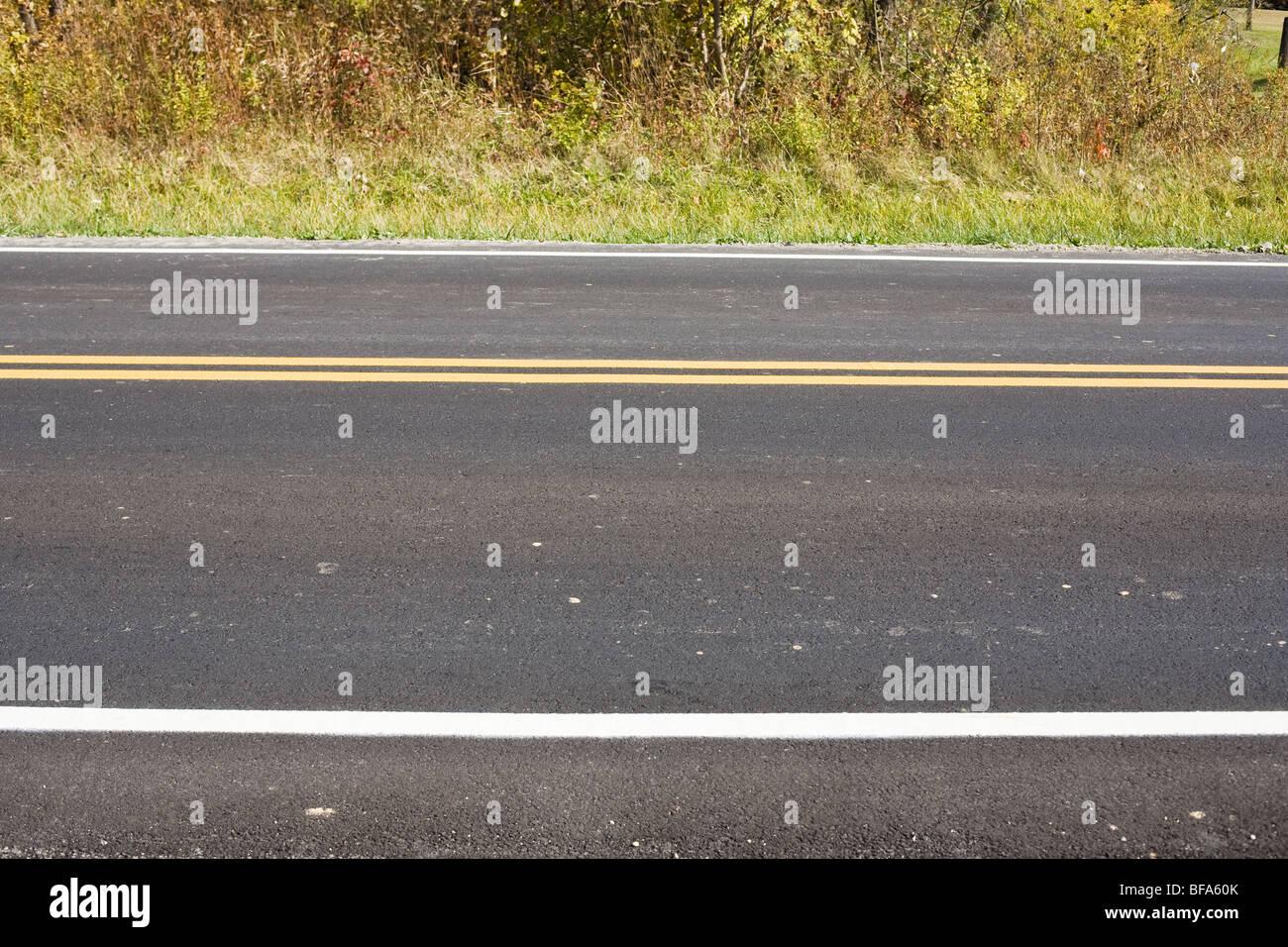 Eine zweispurige Straße Stockbild