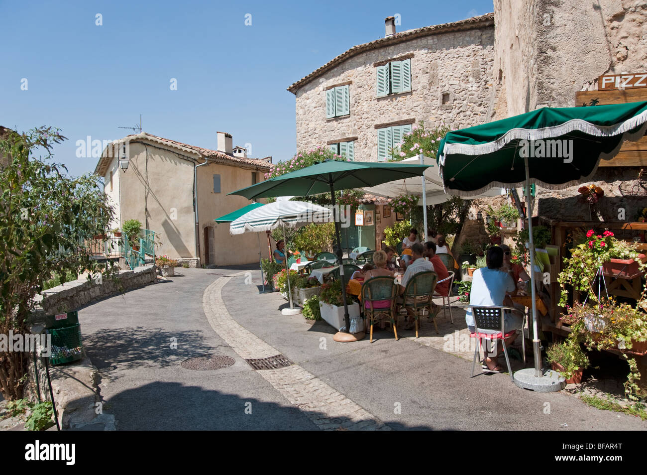 tourtour and provence stockfotos tourtour and provence bilder alamy. Black Bedroom Furniture Sets. Home Design Ideas