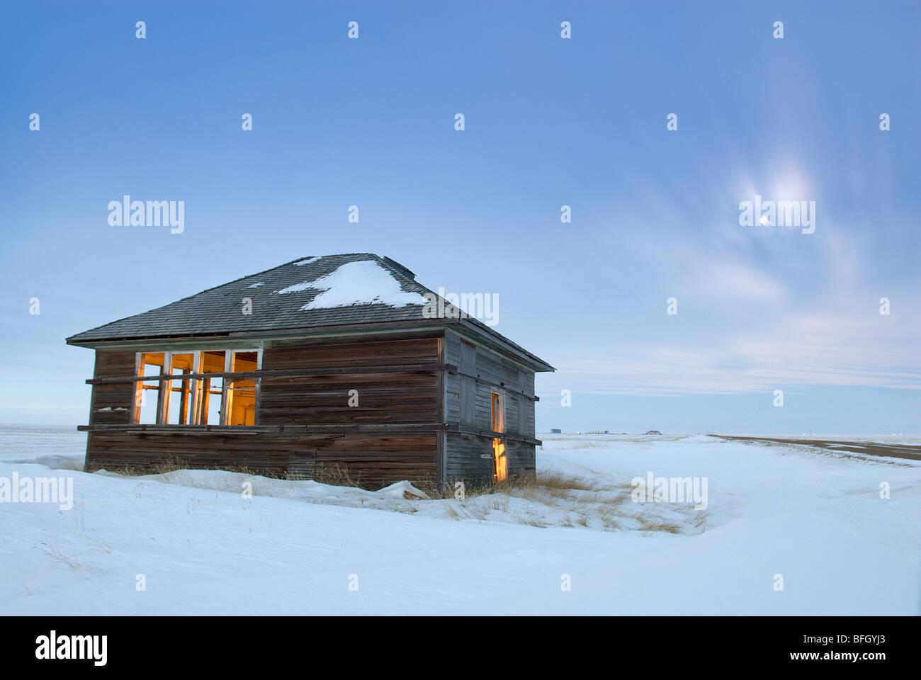 Verlassenes Haus in der Nähe von Foremost, Alberta, Kanada Stockbild