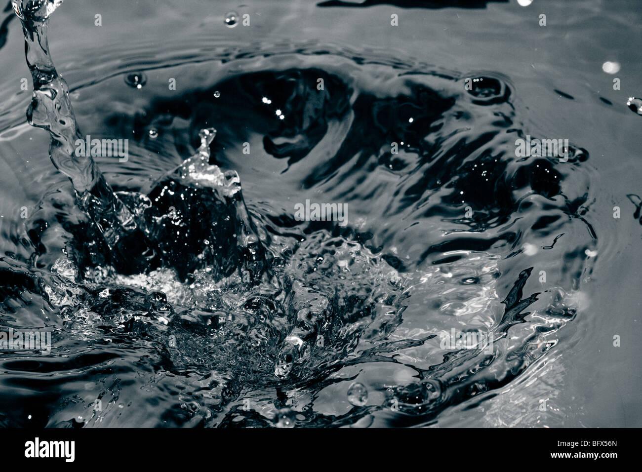 Wasser Welle Wellen Einfrieren Bewegung Kreis Spritzen Stockbild