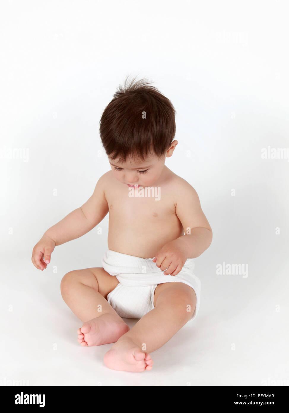 Ganzkörper-Porträt von Baby boy Stockbild