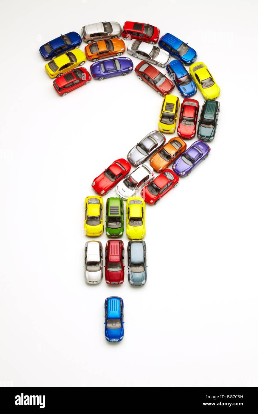 Modellautos in Frage Mark Form Stockbild