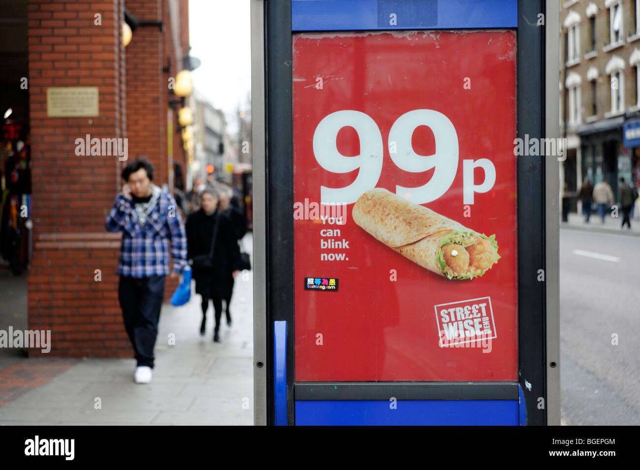 Werbung für 99p billige Mahlzeit Deal von High Street zum mitnehmen. London. GROßBRITANNIEN 2009 Stockbild