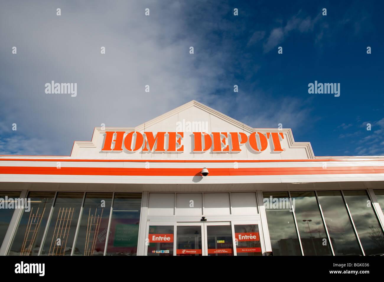 Abgebildet Ist Ein Home Depot Geschäft In Québec Stadt Stockfoto
