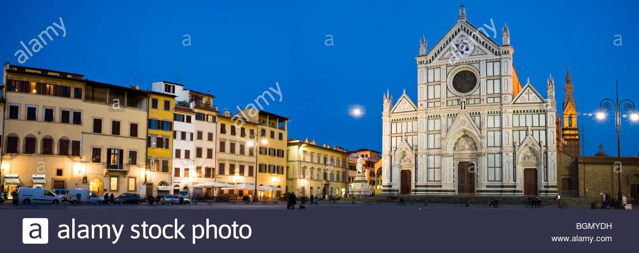 Piazza Santa Croce und die Basilica di Santa Croce, Florenz, Toskana, Italien. Stockbild
