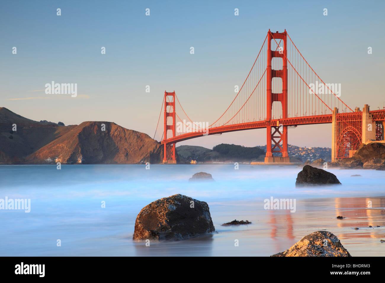Golden Gate Bridge von Bäcker Strand gesehen Stockbild
