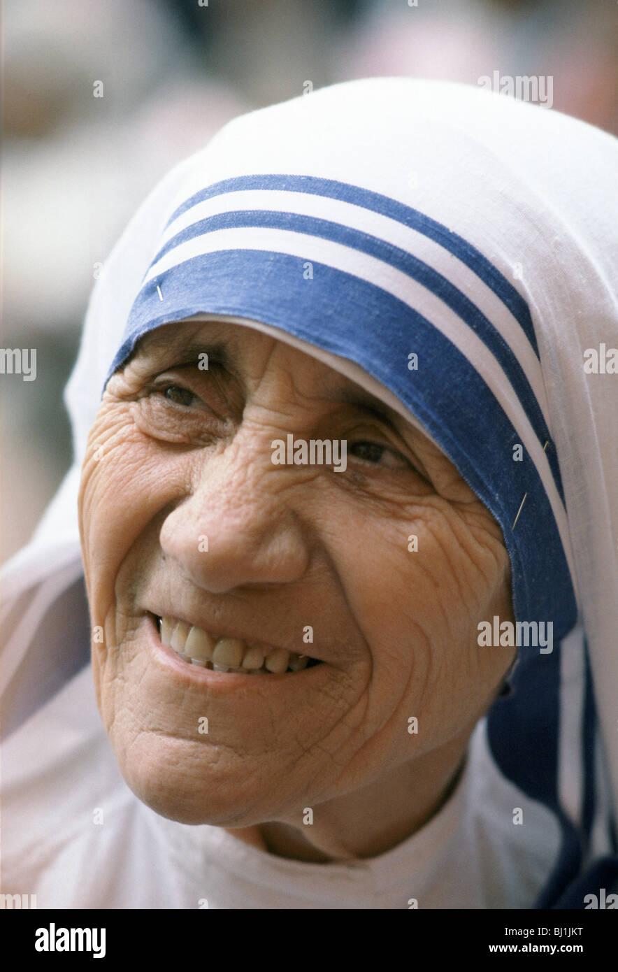 Mutter Teresa von Kalkutta auf ihrer Mission zur Unterstützung der armer und hungernder Menschen, Kalkutta, Stockbild