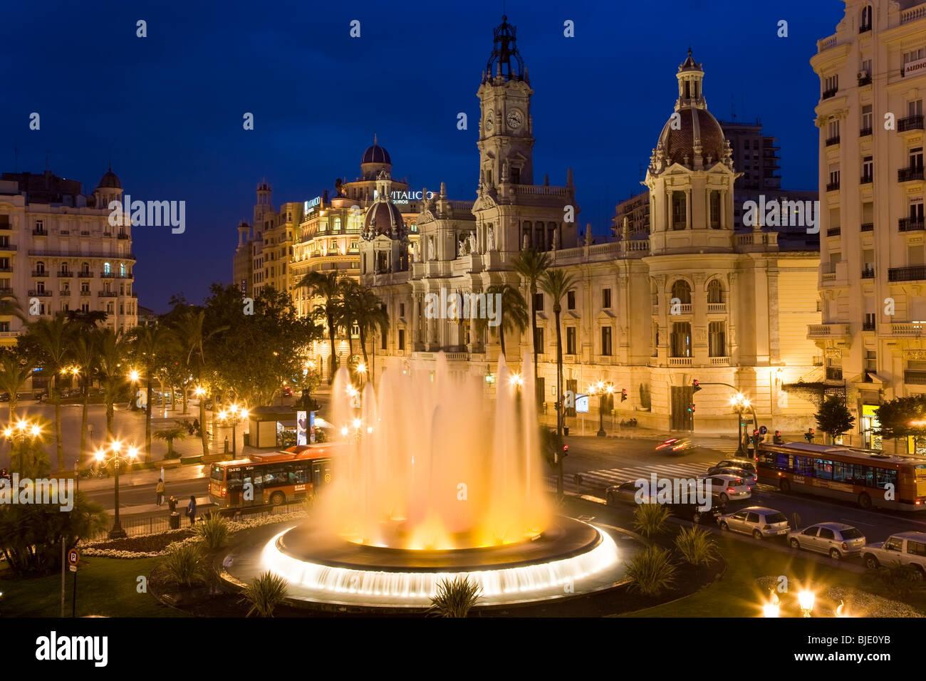 Das Rathaus & Fountain Plaza del Aguntamiento Valencia Costa del Azahar Provinz Valencia, Spanien Stockbild