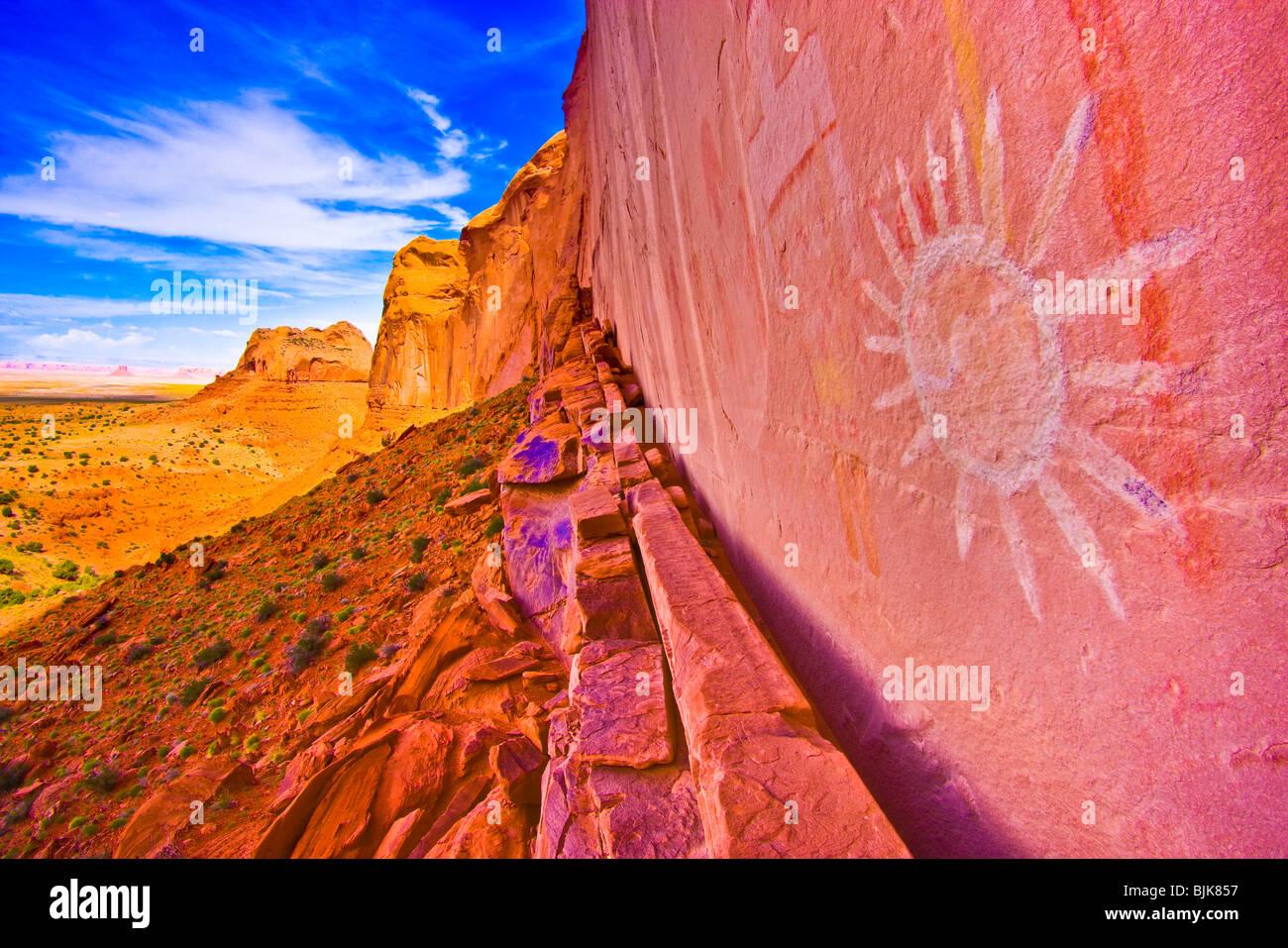 Alte Sonne Piktogramm, Northern Arizona, Korbflechtern Kultur Felsmalereien Stockbild