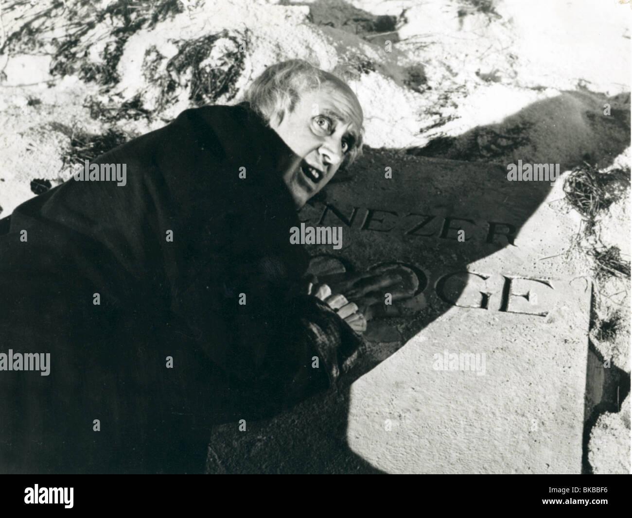SCROOGE-1951 ALASTAIR SIM Stockbild