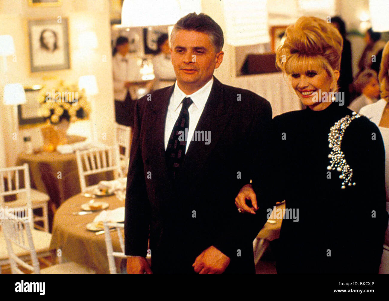 DIE FIRST WIVES CLUB (1996) IVANA TRUMP FIWI 001 Stockbild