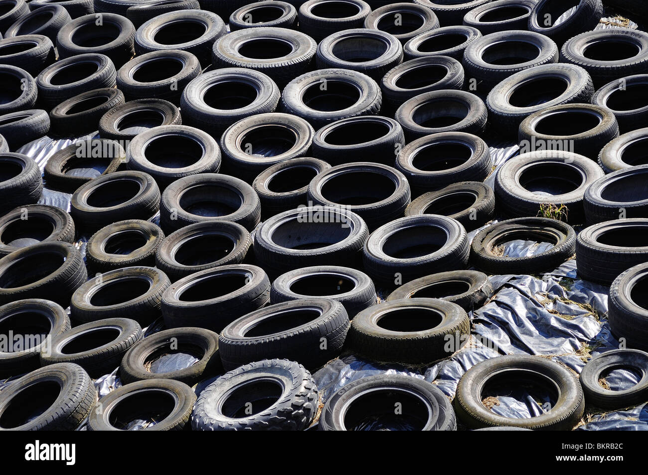 worn tyre stockfotos worn tyre bilder alamy. Black Bedroom Furniture Sets. Home Design Ideas