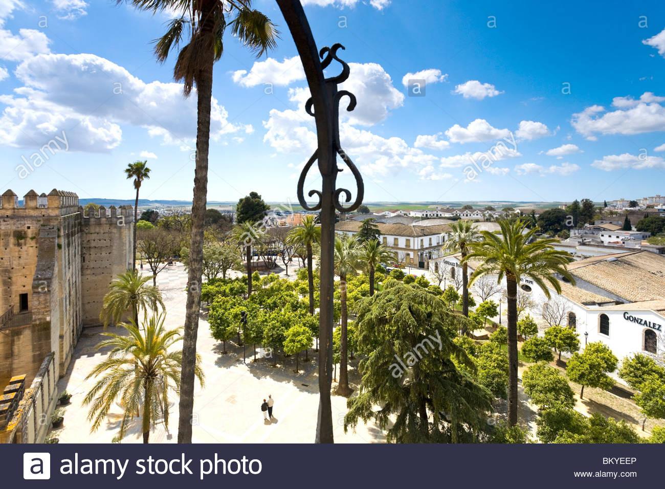 Blick vom Turm der Alcazaba in Jerez De La Frontera in Richtung Altstadt, Andalusien, Provinz Cadiz, Spanien Stockbild