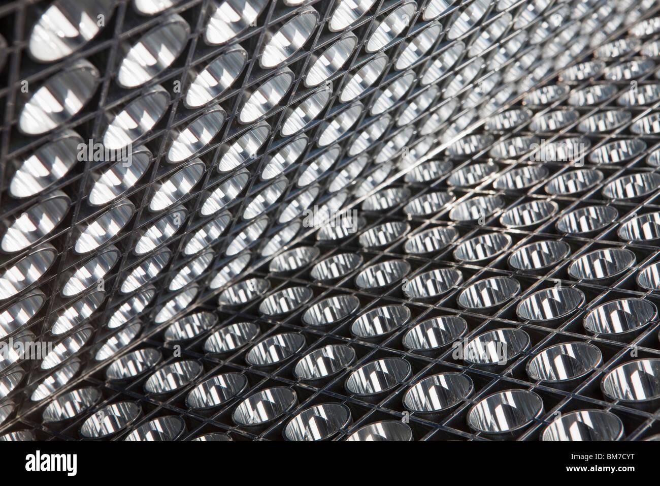 Detail eines Panels von reflektierenden Lichter Stockbild