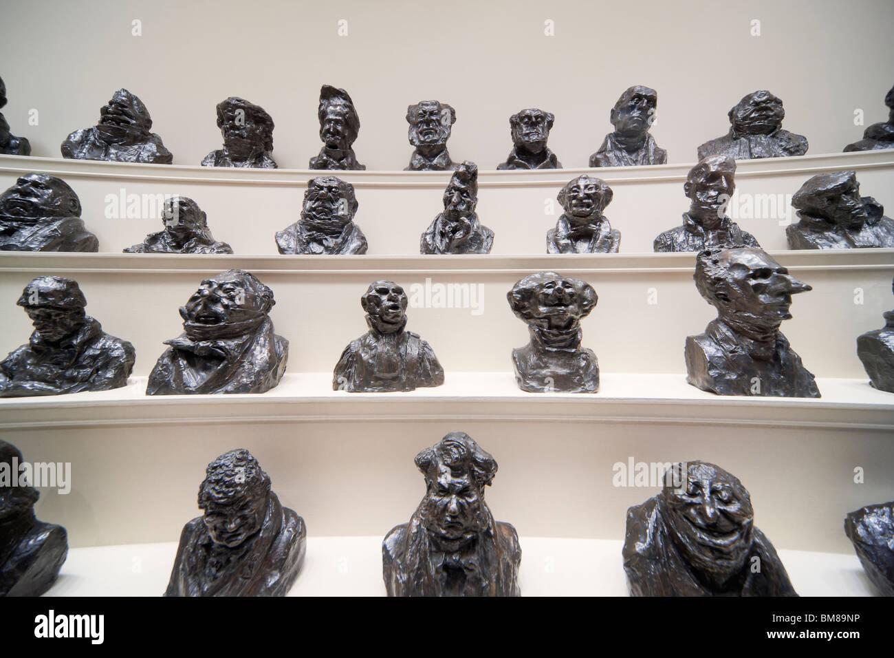 Washington DC National Gallery of Art. Anzeige einer Reihe von Bronze Abgüsse von Karikaturen von Politikern Stockbild