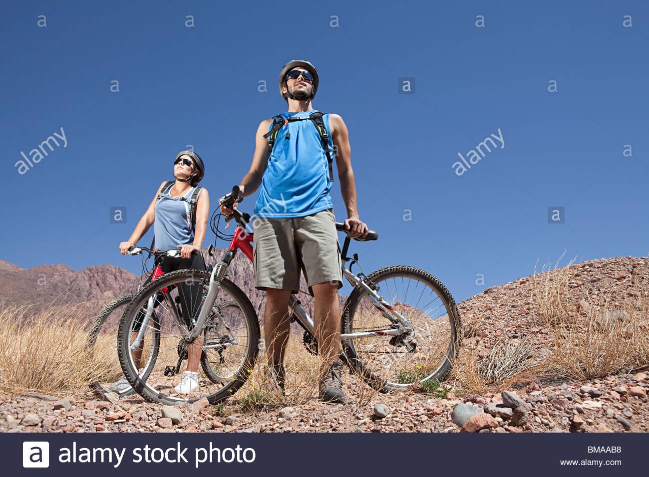 Mountain Biker paar Stockbild