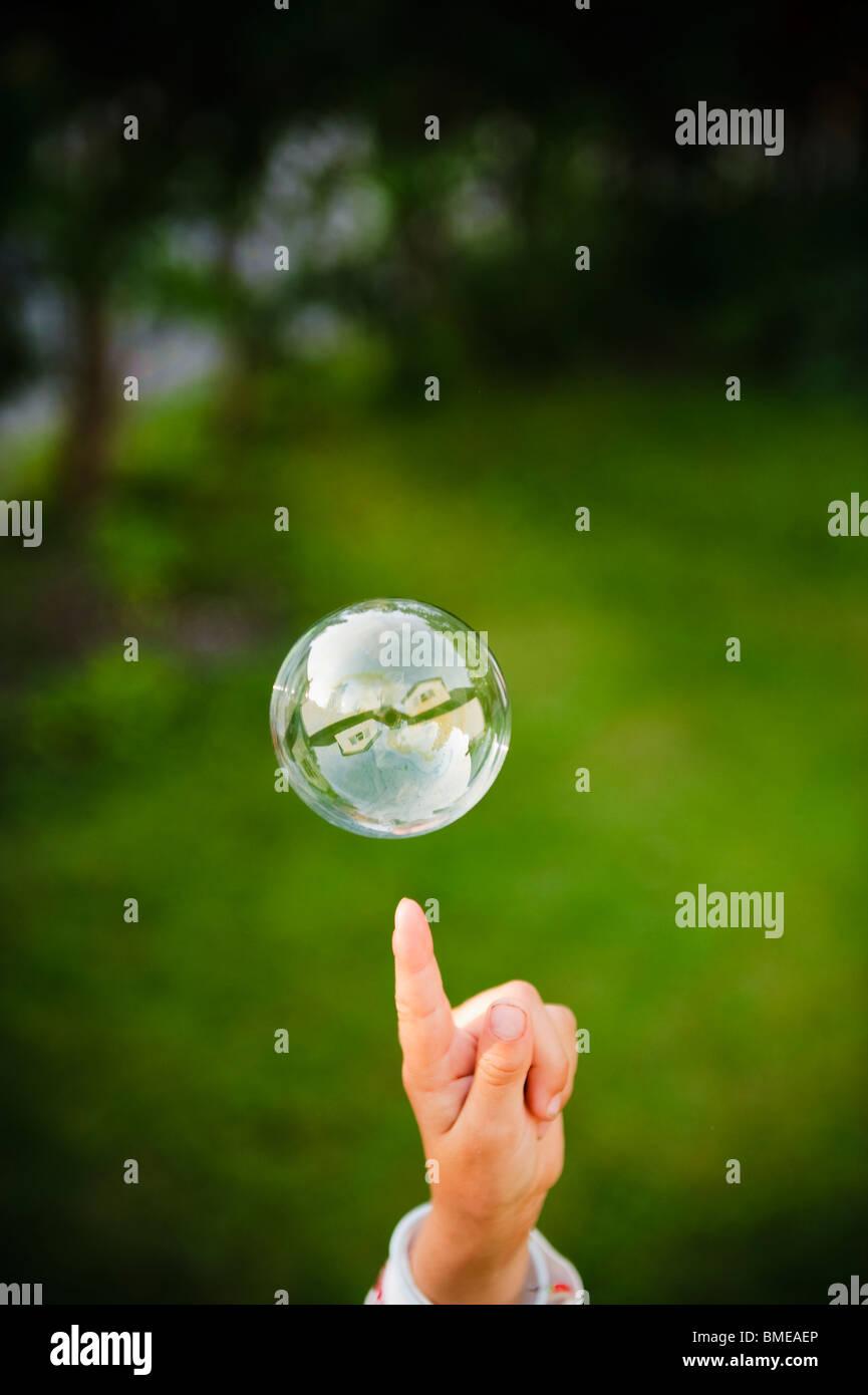 Eine Seifenblase, Schweden. Stockfoto