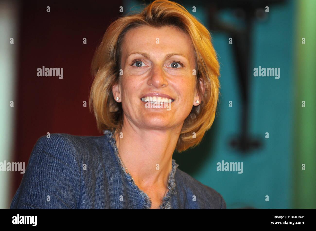 Elsebet Drax, Ehefrau von konservative Wartungstafel für South Dorset Richard Drax Stockbild