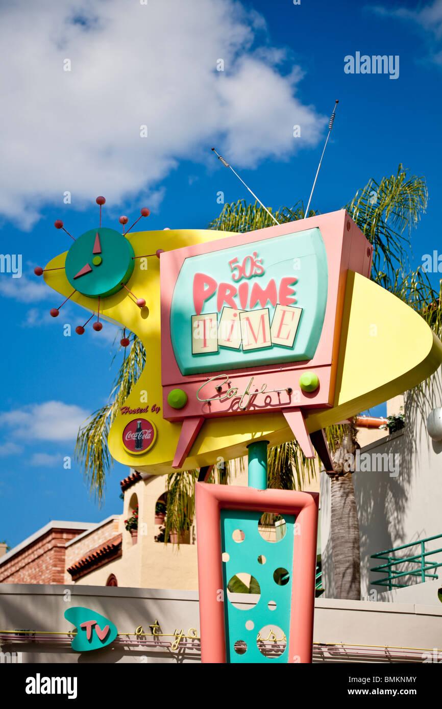 Orlando, FL - Februar 2009 - Zeichen der 50er Jahre Prime-Time Diner in Disneys Hollywood Studios in Kissimmee Orlando Stockbild