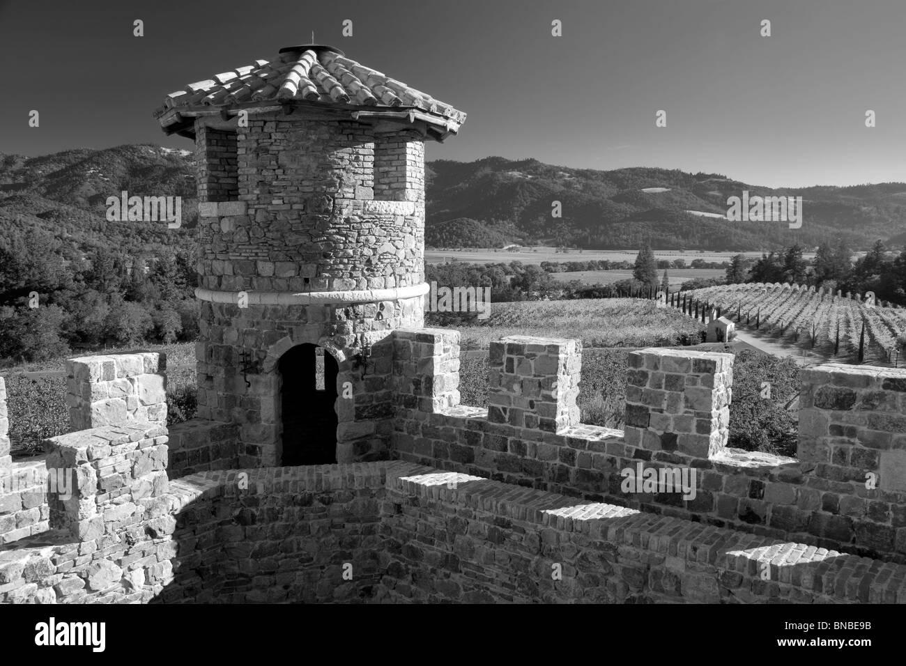 Schloss-Turm im Castello di Amorosa. Napa Valley, Kalifornien. Eigenschaft relased Stockbild