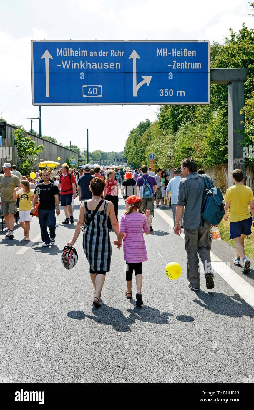 """""""Still-Leben"""", die geschlossenen Autobahn A40 im Ruhrgebiet, NRW, Deutschland. Juli 2010 Stockbild"""