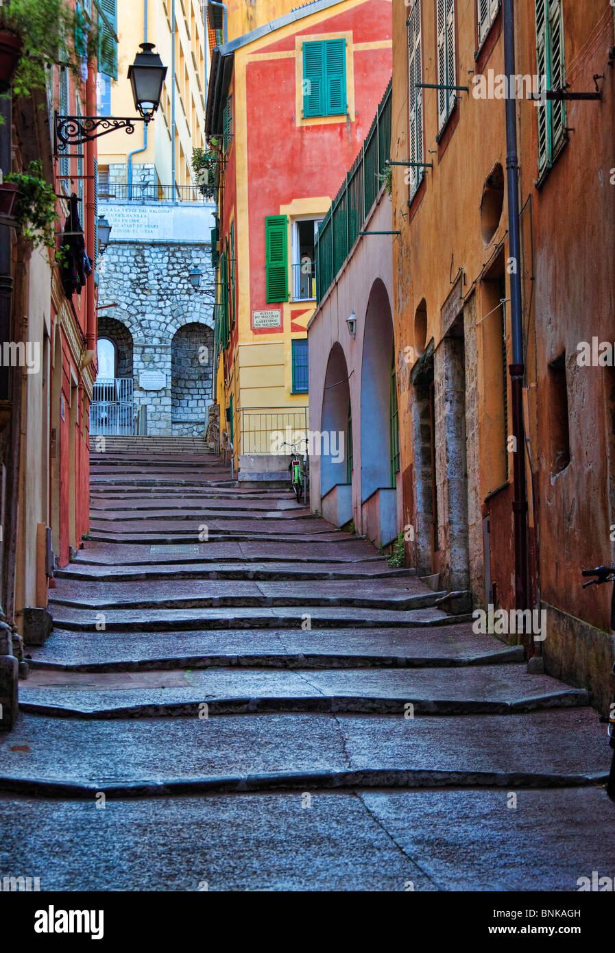 Straßenszene in der Vieille Ville (Altstadt) Teil von Nizza an der französischen Riviera (Côte d Stockbild