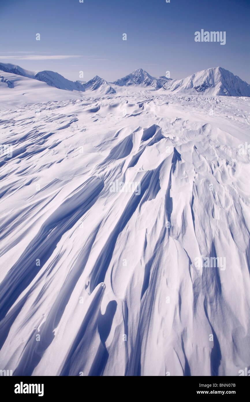 Schnee driftet auf Spencer Gletscher, Kenai Mountains, Chugach National Forest, SC, Alaska Stockbild