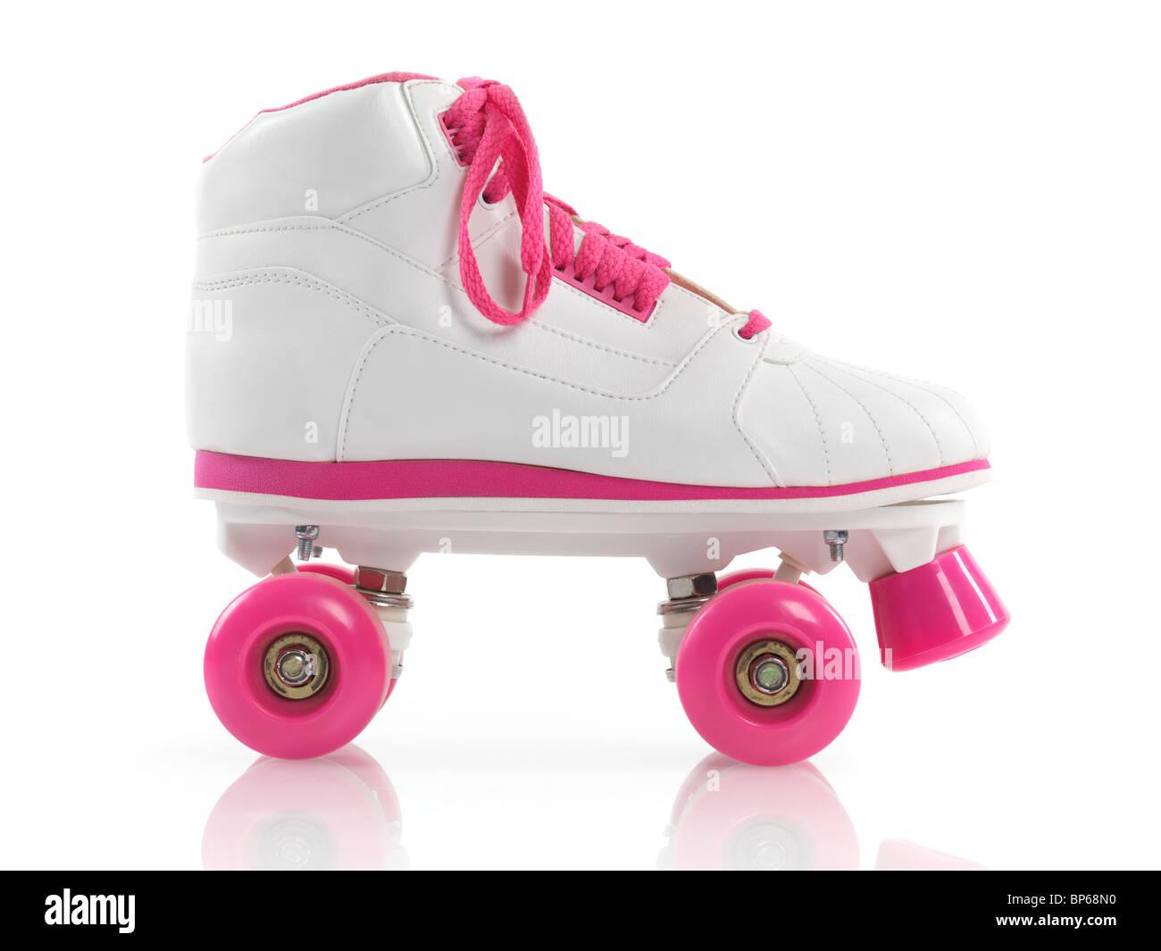 Weiß mit rosa klassische Roller Girl Derby Skate isoliert auf weißem Hintergrund Stockbild