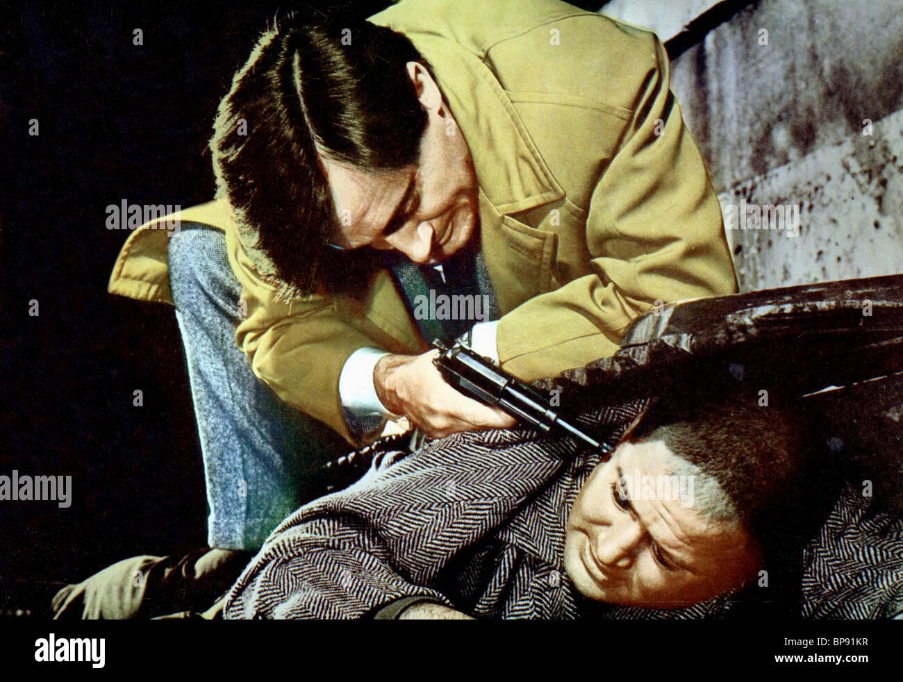 SZENE MIT ROBERT VAUGHN DIE VENEZIANISCHE AFFÄRE (1967) Stockbild