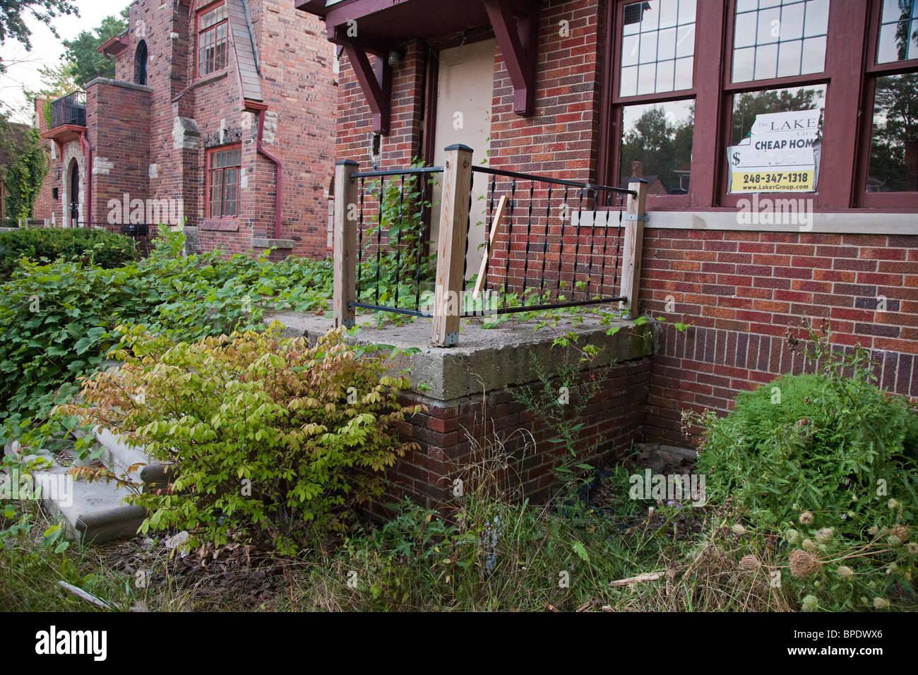 Zu verkaufen: Billige Home Stockbild