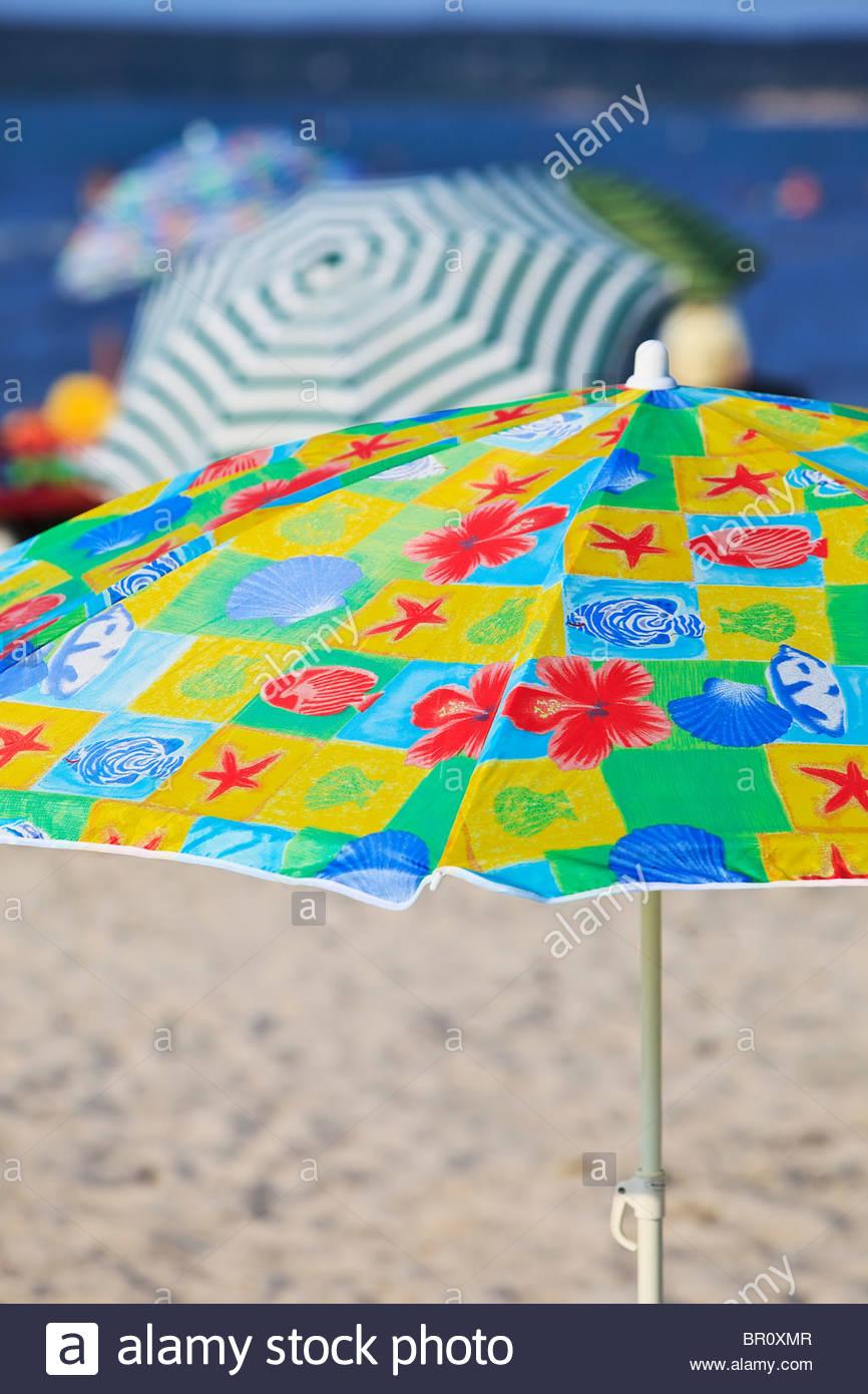 Sonnenschirme, Grand Beach am Lake Winnipeg, Manitoba, Kanada. Stockbild