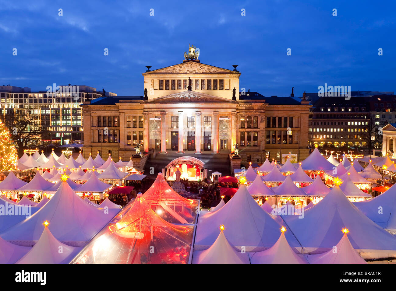gendarmenmarkt stockfotos gendarmenmarkt bilder alamy. Black Bedroom Furniture Sets. Home Design Ideas