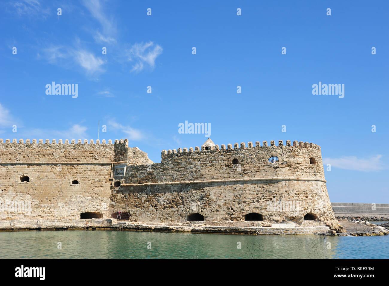 Die restaurierte Festung Koules im alten venezianischen Hafen von Heraklion, Kreta, Griechenland Stockbild