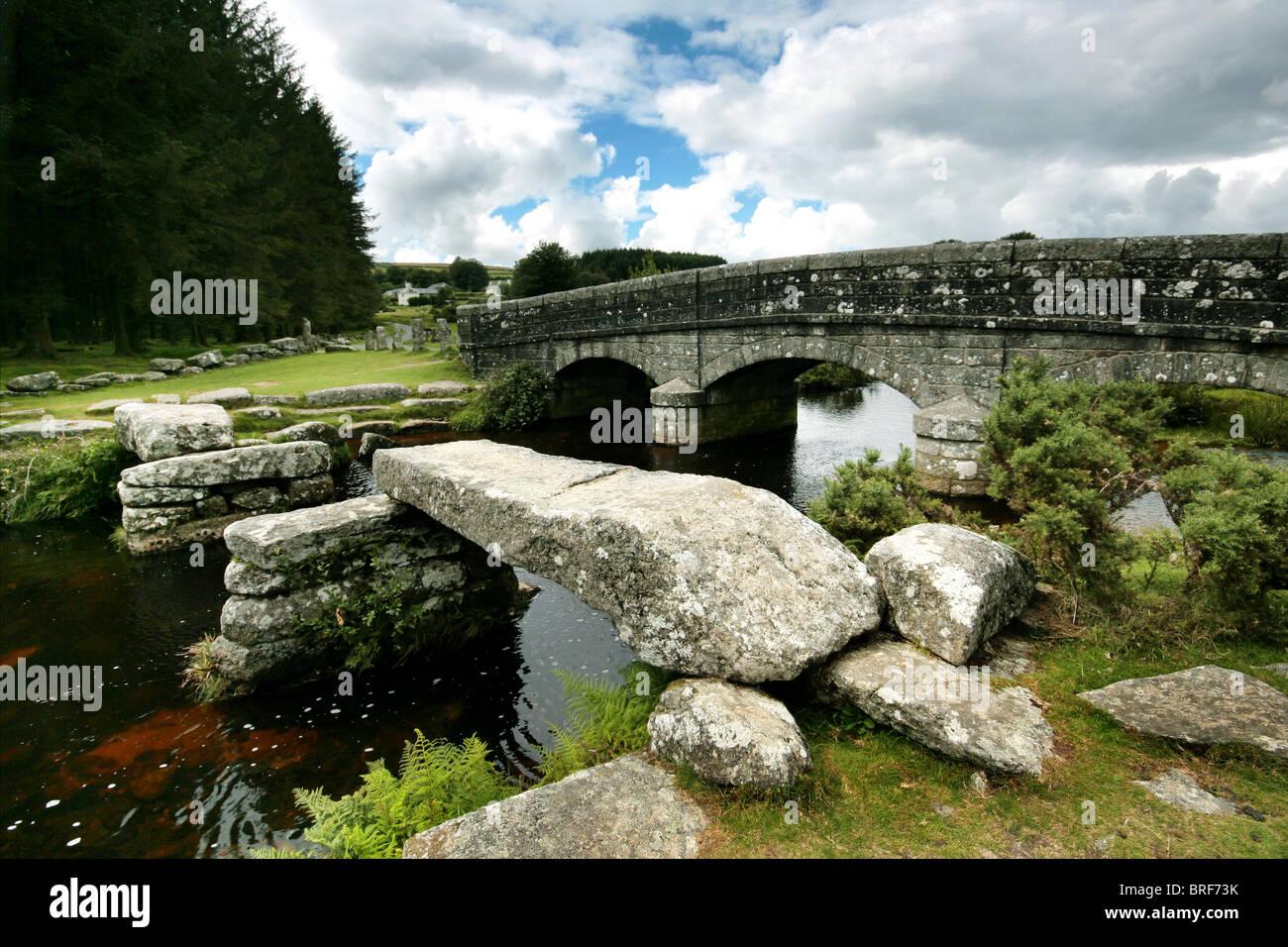 Brücke auf Dartmoor, England, UK Stockbild