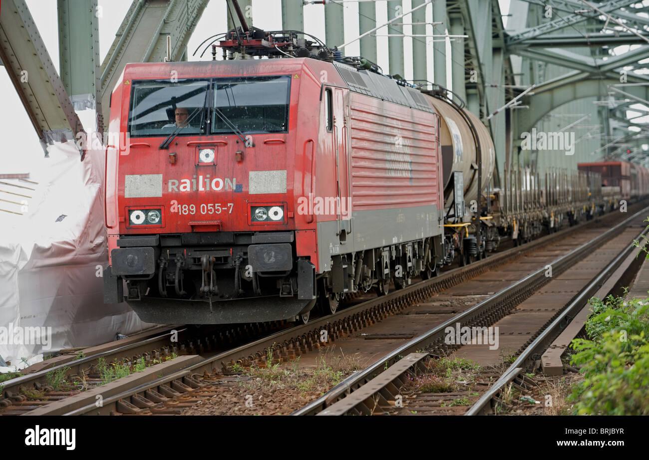 Railion (Deutsche Bahn) Güterzug, Köln. Stockbild