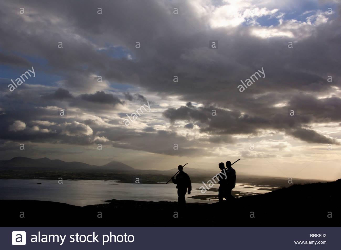 Pilger auf dem Heiligen Berg Croagh Patrick Stockbild