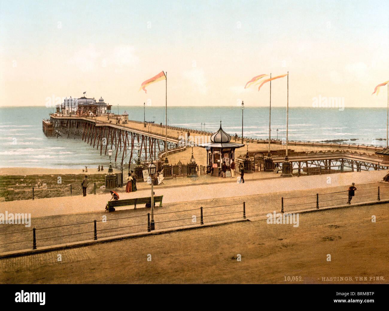 Historischen Photochrome Farbe drucken um 1894-1900 von Hastings Pier in East Sussex, England. Stockbild