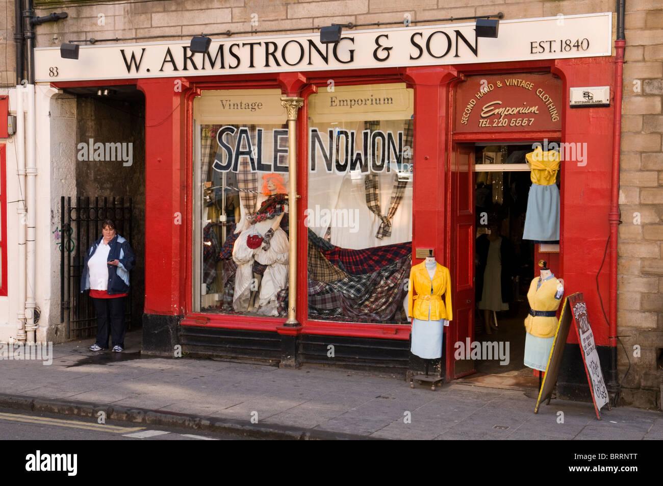 W. Armstrong & Sohn aus zweiter Hand kleider shop im Grassmarket ...