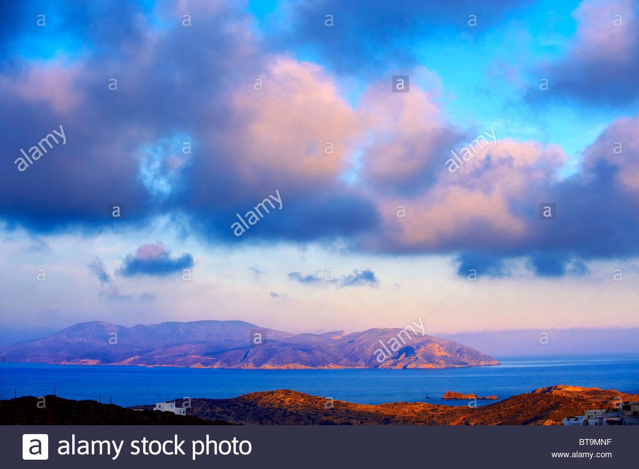 Sonnenaufgang über dem Cyclades Insel Ios, Griechenland Stockbild