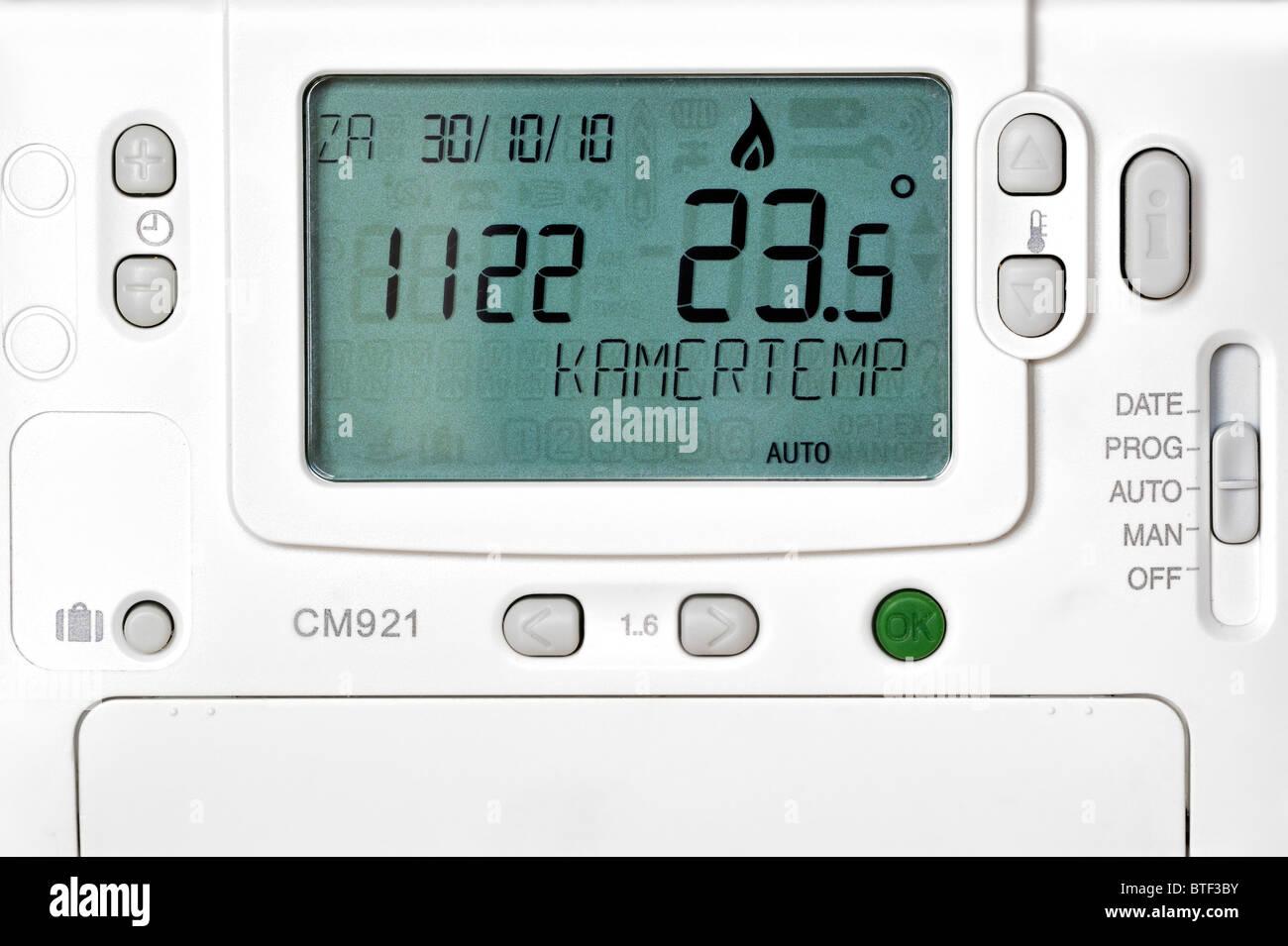 Unterschiedliche Einstellungen für Thermostat der Zentralheizung Stockbild
