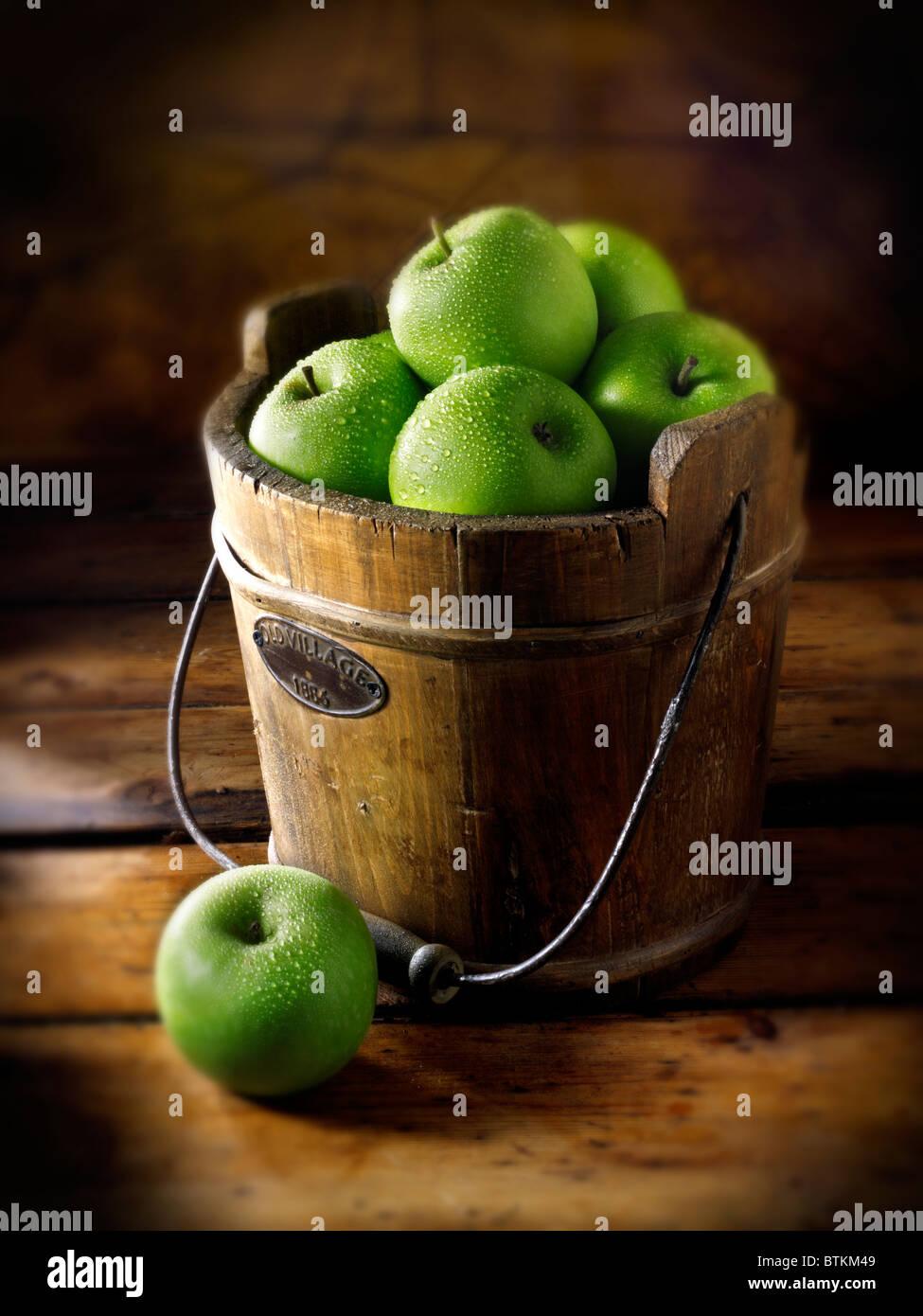 Frische Äpfel Granny Smiths Stockbild