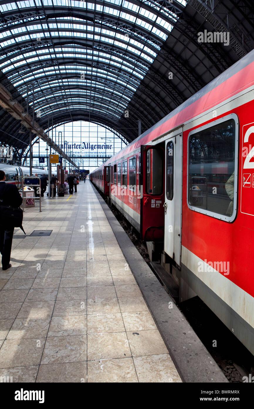 S-Bahn, Hauptbahnhof Frankfurt, Frankfurt Am Main, Hessen, Deutschland, Europa Stockbild