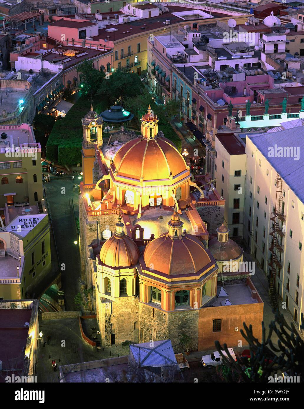 Guanajuato Mexiko Mittelamerika Lateinamerika bei Nacht San Diego Kirche Übersicht Stockbild