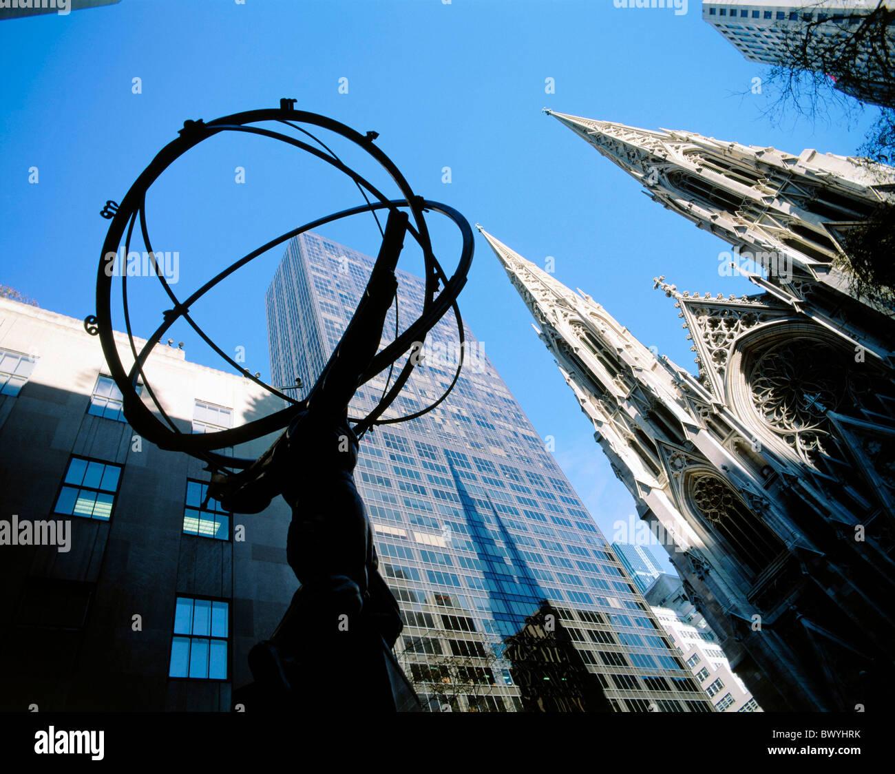 Atlas-Statue Übersicht New York St. Patrick Kathedrale USA Nordamerika Hochhaus Wohnblock Stockbild