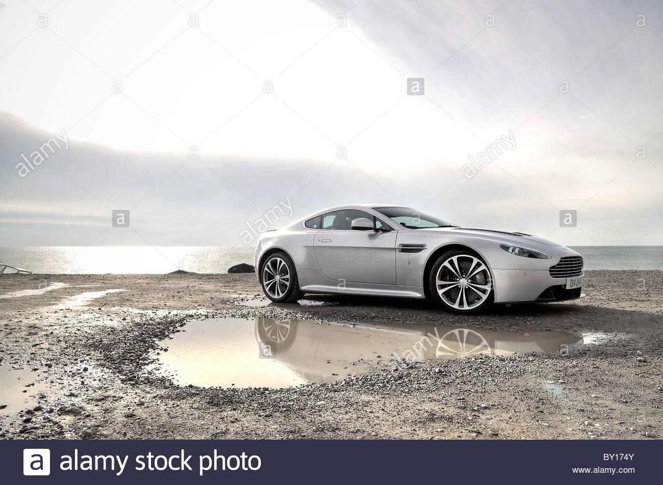 Aston Martin V12 Vantage Stockbild