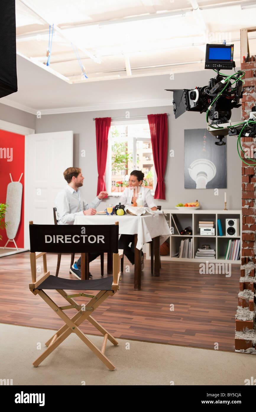Schauspielern eine Szene auf einem Filmset Stockbild