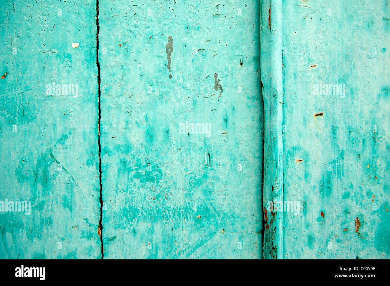 Türkis lackierte Tür Stockfoto
